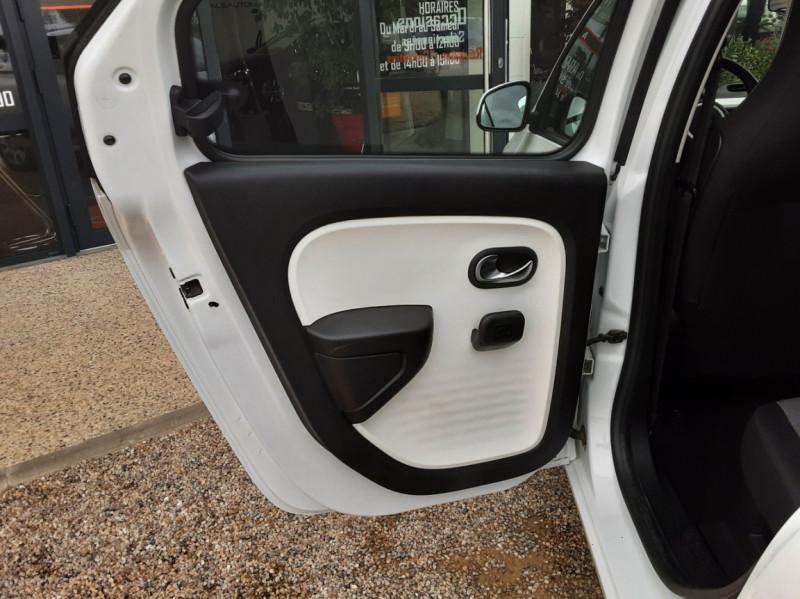 Photo 20 de l'offre de RENAULT TWINGO III 1.0 SCe 70 eco2 SetS Zen à 8500€ chez Centrale Auto Marché Mussidan
