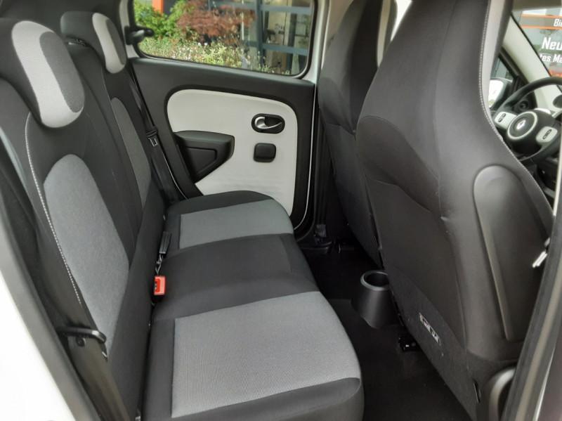 Photo 31 de l'offre de RENAULT TWINGO III 1.0 SCe 70 eco2 SetS Zen à 8500€ chez Centrale Auto Marché Mussidan