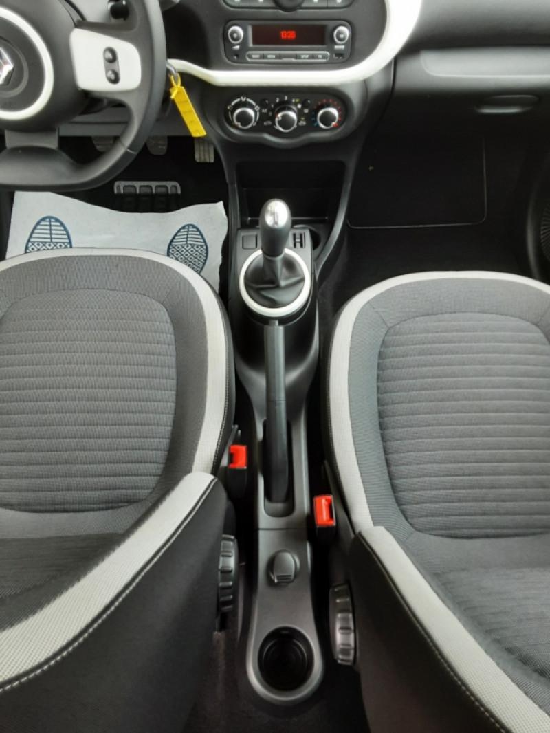 Photo 33 de l'offre de RENAULT TWINGO III 1.0 SCe 70 eco2 SetS Zen à 8500€ chez Centrale Auto Marché Mussidan