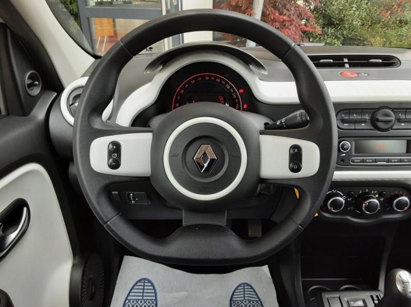 Photo 32 de l'offre de RENAULT TWINGO III 1.0 SCe 70 eco2 SetS Zen à 8500€ chez Centrale Auto Marché Mussidan