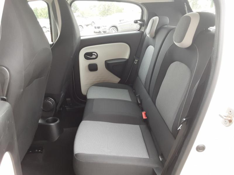 Photo 24 de l'offre de RENAULT TWINGO III 1.0 SCe 70 eco2 SetS Zen à 8500€ chez Centrale Auto Marché Mussidan
