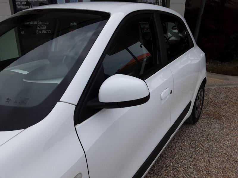 Photo 8 de l'offre de RENAULT TWINGO III 1.0 SCe 70 eco2 SetS Zen à 8500€ chez Centrale Auto Marché Mussidan