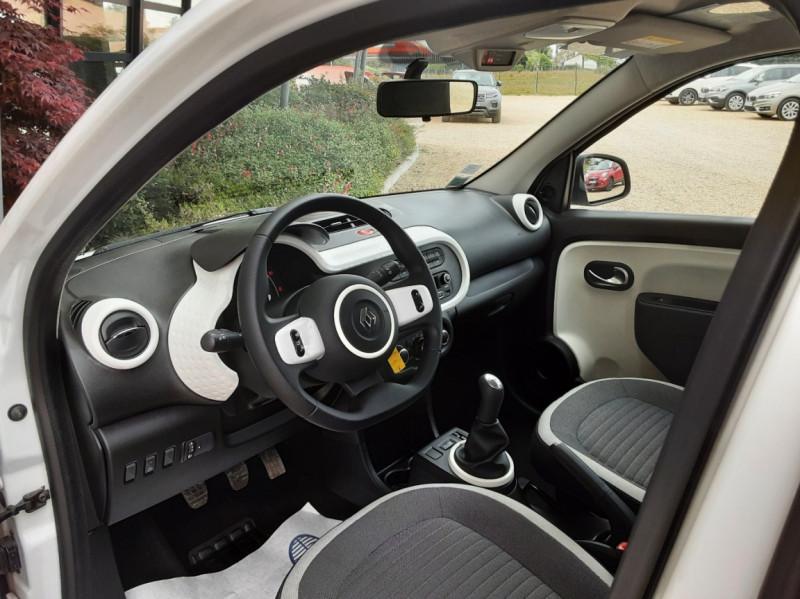 Photo 25 de l'offre de RENAULT TWINGO III 1.0 SCe 70 eco2 SetS Zen à 8500€ chez Centrale Auto Marché Mussidan