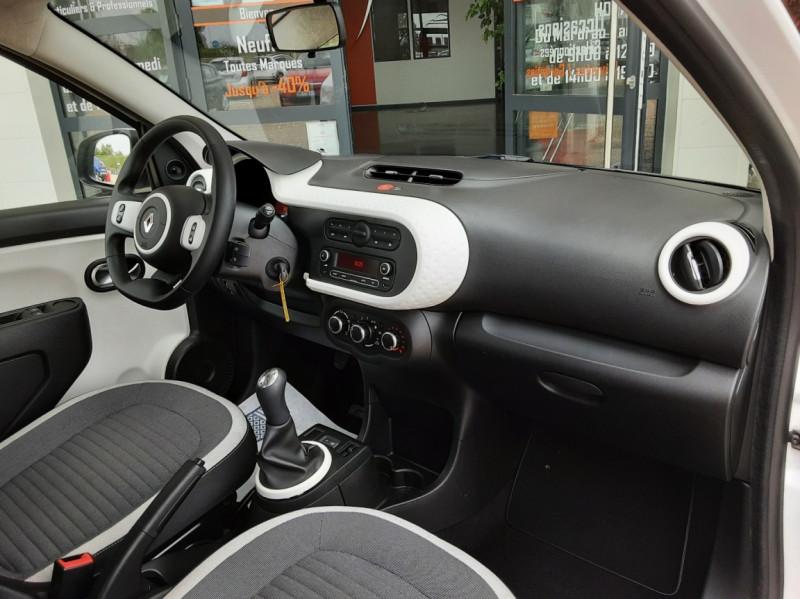Photo 22 de l'offre de RENAULT TWINGO III 1.0 SCe 70 eco2 SetS Zen à 8500€ chez Centrale Auto Marché Mussidan
