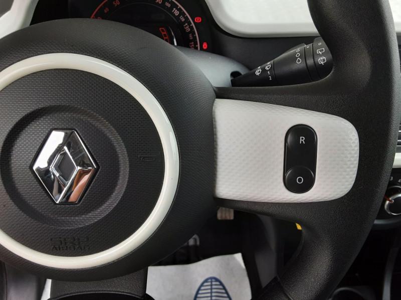 Photo 40 de l'offre de RENAULT TWINGO III 1.0 SCe 70 eco2 SetS Zen à 8500€ chez Centrale Auto Marché Mussidan