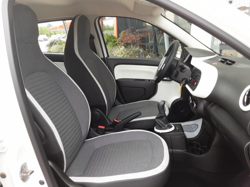 Photo 28 de l'offre de RENAULT TWINGO III 1.0 SCe 70 eco2 SetS Zen à 8500€ chez Centrale Auto Marché Mussidan