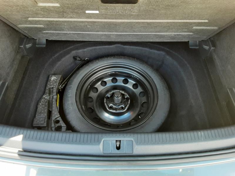 Photo 16 de l'offre de VOLKSWAGEN GOLF VII 1.6 TDI 115 BlueMotion Trendline à 13490€ chez Centrale Auto Marché Mussidan