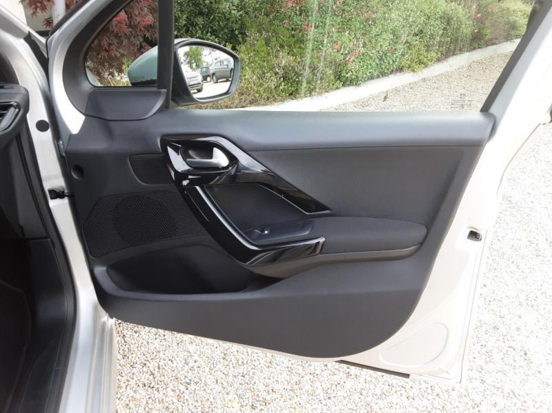 Photo 27 de l'offre de PEUGEOT 208 1.6 BlueHDi 75ch SetS BVM5 Active Business à 10490€ chez Centrale Auto Marché Mussidan