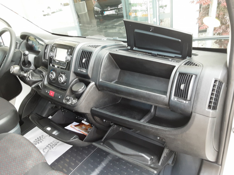 Photo 39 de l'offre de CITROEN JUMPER BENNE 35 L2 BLUEHDi 130 BVM6 CONFORT à 22990€ chez Centrale Auto Marché Mussidan