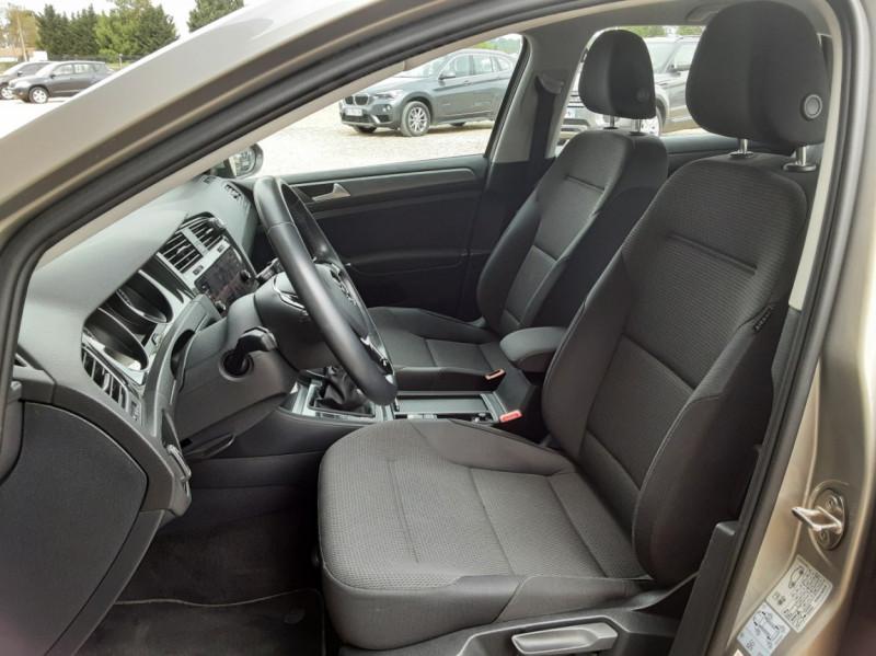 Photo 19 de l'offre de VOLKSWAGEN GOLF 1.6 TDI 115 FAP BVM5 Confortline Business à 16900€ chez Centrale Auto Marché Mussidan