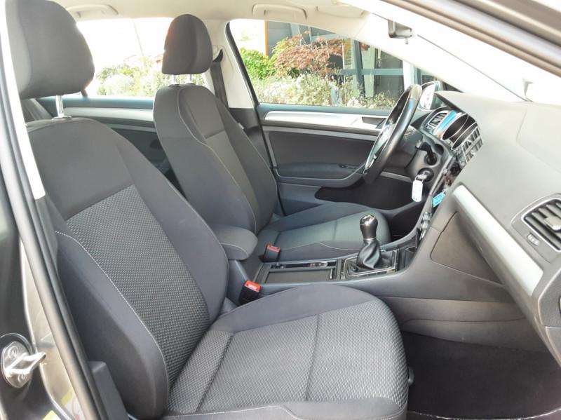 Photo 26 de l'offre de VOLKSWAGEN GOLF VII 1.6 TDI 115 BlueMotion Trendline à 13490€ chez Centrale Auto Marché Mussidan