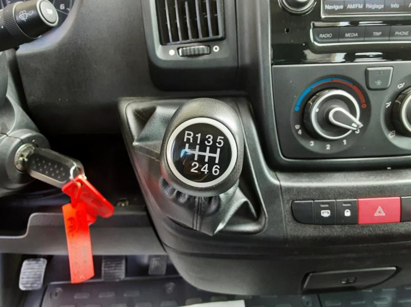 Photo 40 de l'offre de CITROEN JUMPER BENNE 35 L2 BLUEHDi 130 BVM6 CONFORT à 22990€ chez Centrale Auto Marché Mussidan