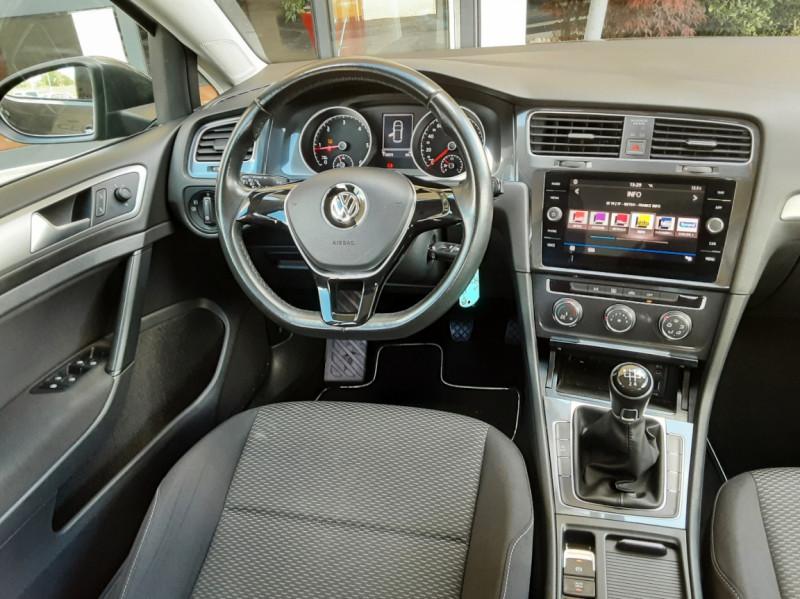 Photo 39 de l'offre de VOLKSWAGEN GOLF VII 1.6 TDI 115 BlueMotion Trendline à 13490€ chez Centrale Auto Marché Mussidan
