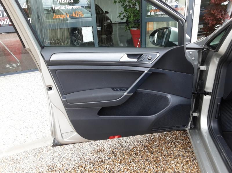 Photo 20 de l'offre de VOLKSWAGEN GOLF 1.6 TDI 115 FAP BVM5 Confortline Business à 16900€ chez Centrale Auto Marché Mussidan