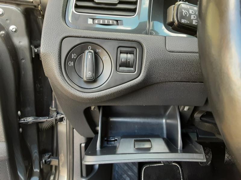 Photo 37 de l'offre de VOLKSWAGEN GOLF VII 1.6 TDI 115 BlueMotion Trendline à 13490€ chez Centrale Auto Marché Mussidan