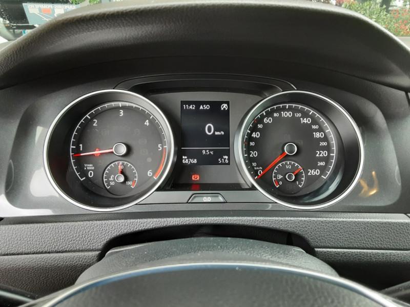 Photo 38 de l'offre de VOLKSWAGEN GOLF 1.6 TDI 115 FAP BVM5 Confortline Business à 16900€ chez Centrale Auto Marché Mussidan