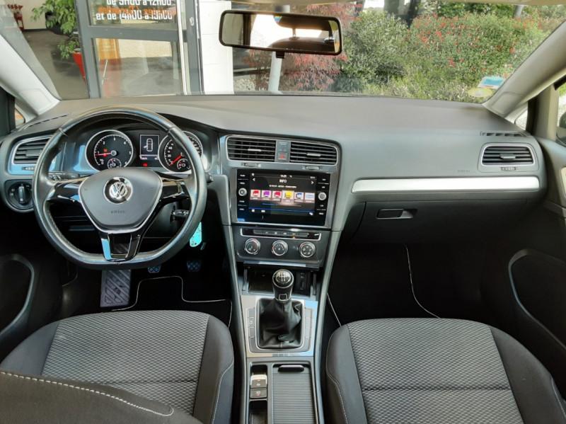 Photo 32 de l'offre de VOLKSWAGEN GOLF VII 1.6 TDI 115 BlueMotion Trendline à 13490€ chez Centrale Auto Marché Mussidan