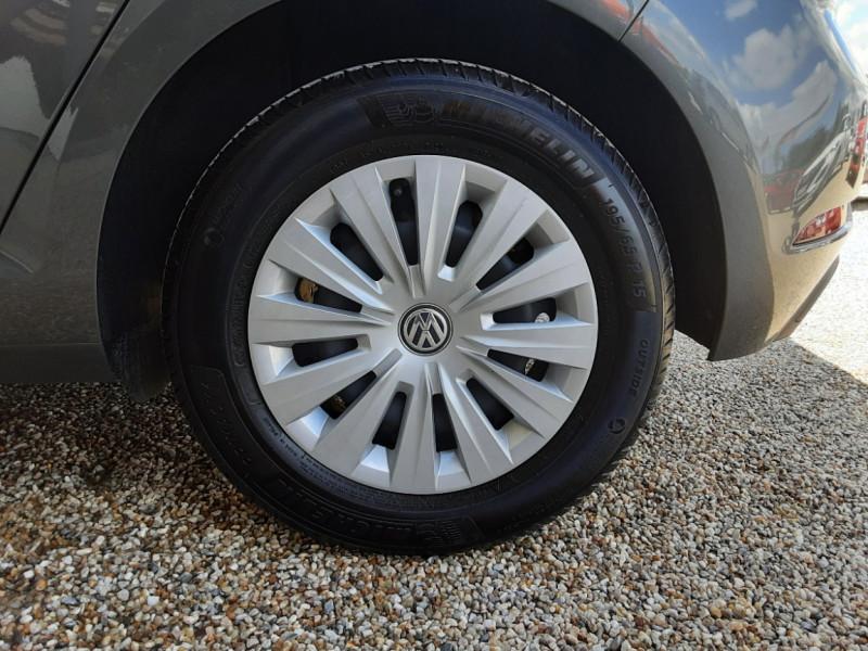 Photo 47 de l'offre de VOLKSWAGEN GOLF VII 1.6 TDI 115 BlueMotion Trendline à 13490€ chez Centrale Auto Marché Mussidan