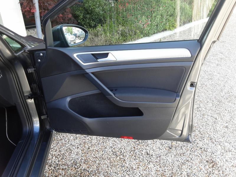 Photo 28 de l'offre de VOLKSWAGEN GOLF VII 1.6 TDI 115 BlueMotion Trendline à 13490€ chez Centrale Auto Marché Mussidan