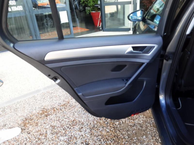 Photo 29 de l'offre de VOLKSWAGEN GOLF VII 1.6 TDI 115 BlueMotion Trendline à 13490€ chez Centrale Auto Marché Mussidan