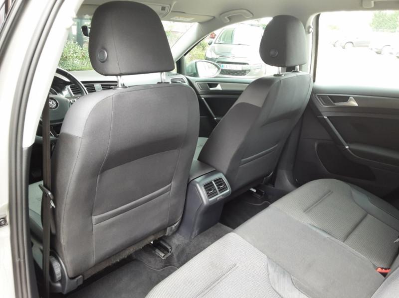 Photo 23 de l'offre de VOLKSWAGEN GOLF 1.6 TDI 115 FAP BVM5 Confortline Business à 16900€ chez Centrale Auto Marché Mussidan