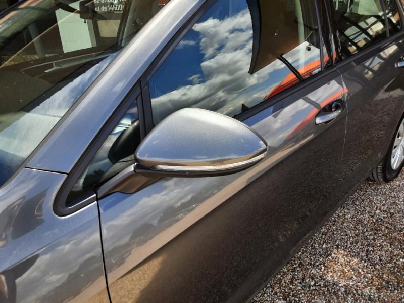 Photo 10 de l'offre de VOLKSWAGEN GOLF VII 1.6 TDI 115 BlueMotion Trendline à 13490€ chez Centrale Auto Marché Mussidan