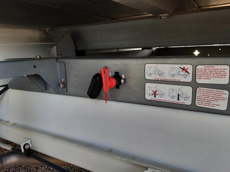 Photo 20 de l'offre de CITROEN JUMPER BENNE 35 L2 BLUEHDi 130 BVM6 CONFORT à 22990€ chez Centrale Auto Marché Mussidan
