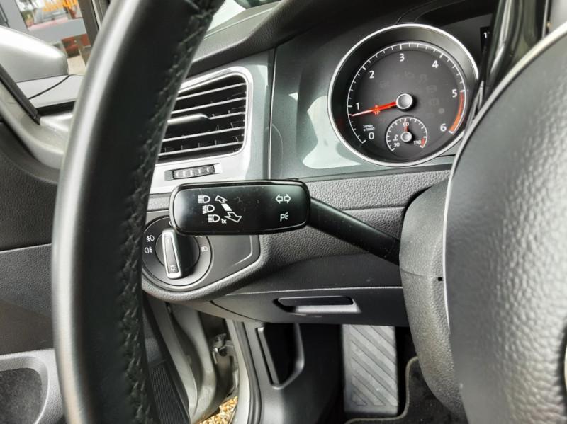 Photo 41 de l'offre de VOLKSWAGEN GOLF 1.6 TDI 115 FAP BVM5 Confortline Business à 16900€ chez Centrale Auto Marché Mussidan