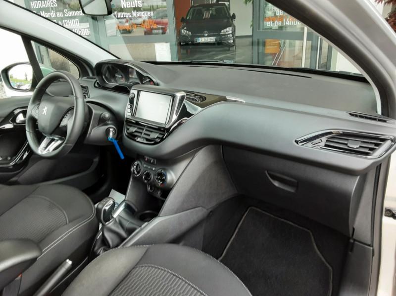 Photo 26 de l'offre de PEUGEOT 208 1.6 BlueHDi 75ch SetS BVM5 Active Business à 10490€ chez Centrale Auto Marché Mussidan