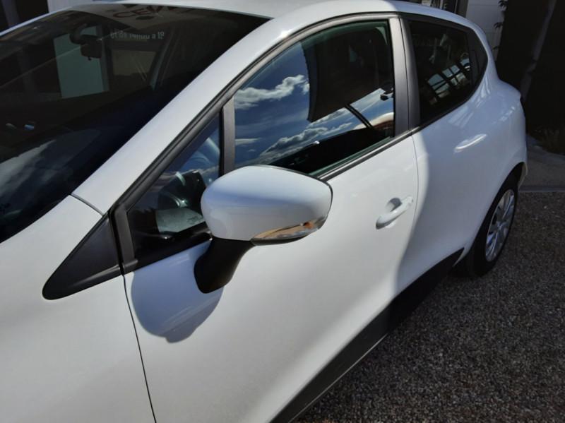 Photo 7 de l'offre de RENAULT CLIO IV SOCIETE DCI 90 ENERGY ECO2 AIR MEDIANAV à 8490€ chez Centrale Auto Marché Mussidan