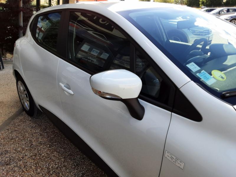 Photo 6 de l'offre de RENAULT CLIO IV SOCIETE DCI 90 ENERGY ECO2 AIR MEDIANAV à 8490€ chez Centrale Auto Marché Mussidan