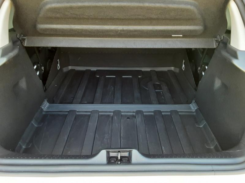 Photo 16 de l'offre de RENAULT CLIO IV SOCIETE DCI 90 ENERGY ECO2 AIR MEDIANAV à 8490€ chez Centrale Auto Marché Mussidan