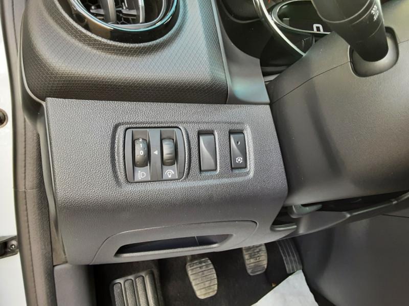 Photo 37 de l'offre de RENAULT CLIO IV SOCIETE DCI 90 ENERGY ECO2 AIR MEDIANAV à 8490€ chez Centrale Auto Marché Mussidan