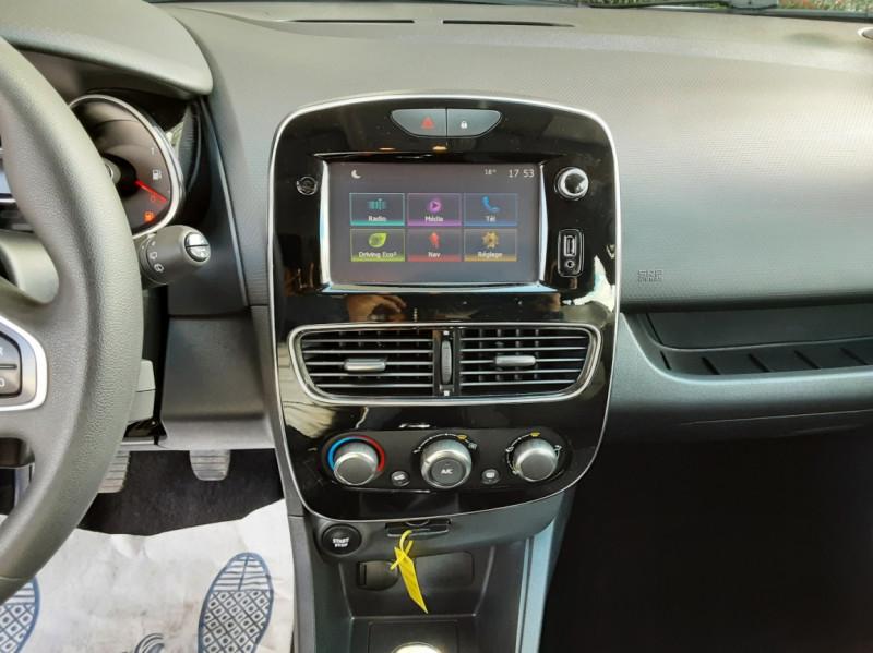 Photo 42 de l'offre de RENAULT CLIO IV SOCIETE DCI 90 ENERGY ECO2 AIR MEDIANAV à 8490€ chez Centrale Auto Marché Mussidan