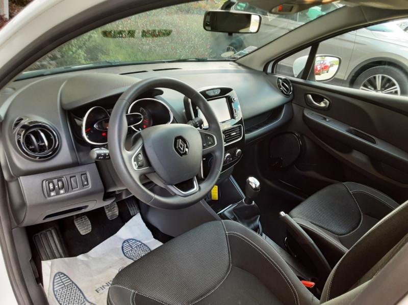 Photo 24 de l'offre de RENAULT CLIO IV SOCIETE DCI 90 ENERGY ECO2 AIR MEDIANAV à 8490€ chez Centrale Auto Marché Mussidan
