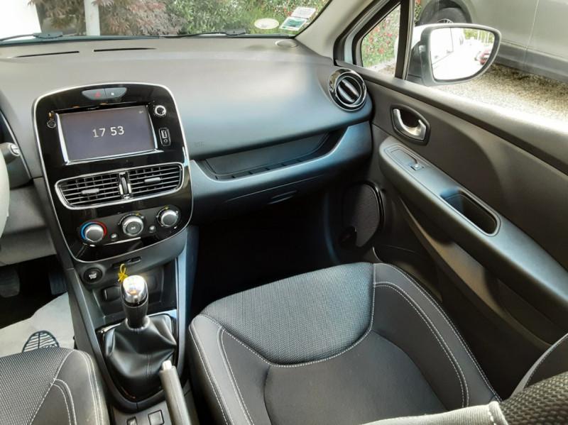 Photo 32 de l'offre de RENAULT CLIO IV SOCIETE DCI 90 ENERGY ECO2 AIR MEDIANAV à 8490€ chez Centrale Auto Marché Mussidan