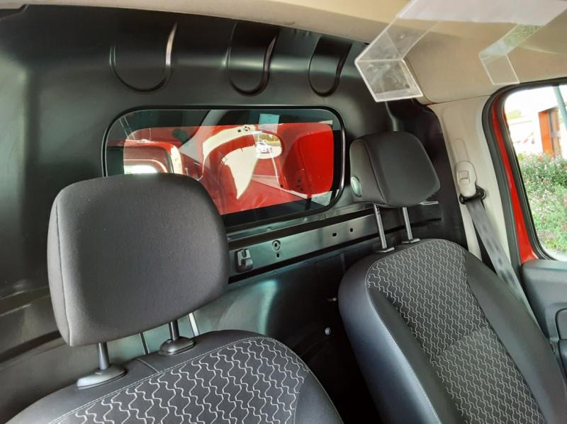 Photo 31 de l'offre de RENAULT KANGOO EXPRESS L1 1.5 DCI 75 ENERGY EXTRA R-LINK à 8990€ chez Centrale Auto Marché Mussidan