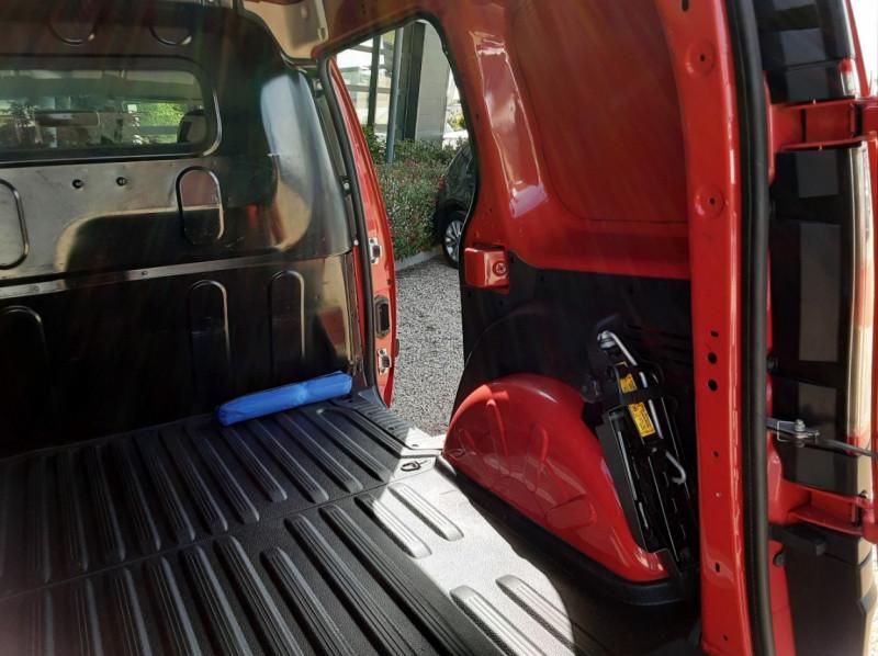 Photo 20 de l'offre de RENAULT KANGOO EXPRESS L1 1.5 DCI 75 ENERGY EXTRA R-LINK à 8990€ chez Centrale Auto Marché Mussidan
