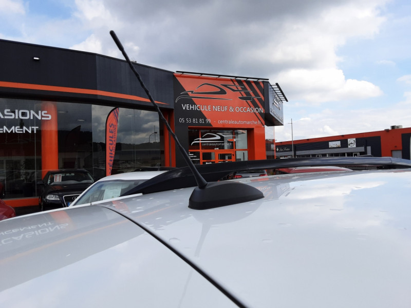 Photo 30 de l'offre de CITROEN C3 AIRCROSS BlueHDi 100 SetS BVM6 SHINE à 17490€ chez Centrale Auto Marché Mussidan