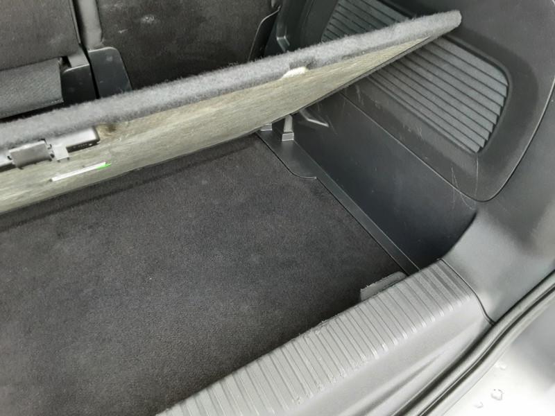 Photo 26 de l'offre de CITROEN C3 AIRCROSS BlueHDi 100 SetS BVM6 SHINE à 17490€ chez Centrale Auto Marché Mussidan