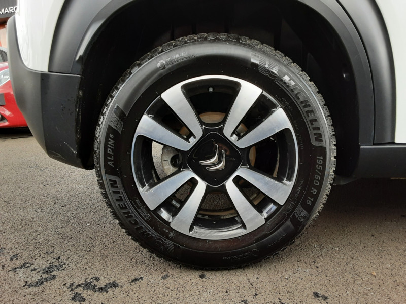 Photo 27 de l'offre de CITROEN C3 AIRCROSS BlueHDi 100 SetS BVM6 SHINE à 17490€ chez Centrale Auto Marché Mussidan