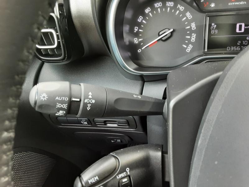 Photo 50 de l'offre de CITROEN C3 AIRCROSS BlueHDi 100 SetS BVM6 SHINE à 17490€ chez Centrale Auto Marché Mussidan