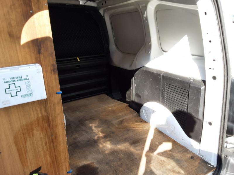 Photo 4 de l'offre de CITROEN BERLINGO M BLUEHDI 100 SetS BUSINESS à 10500€ chez Centrale Auto Marché Mussidan