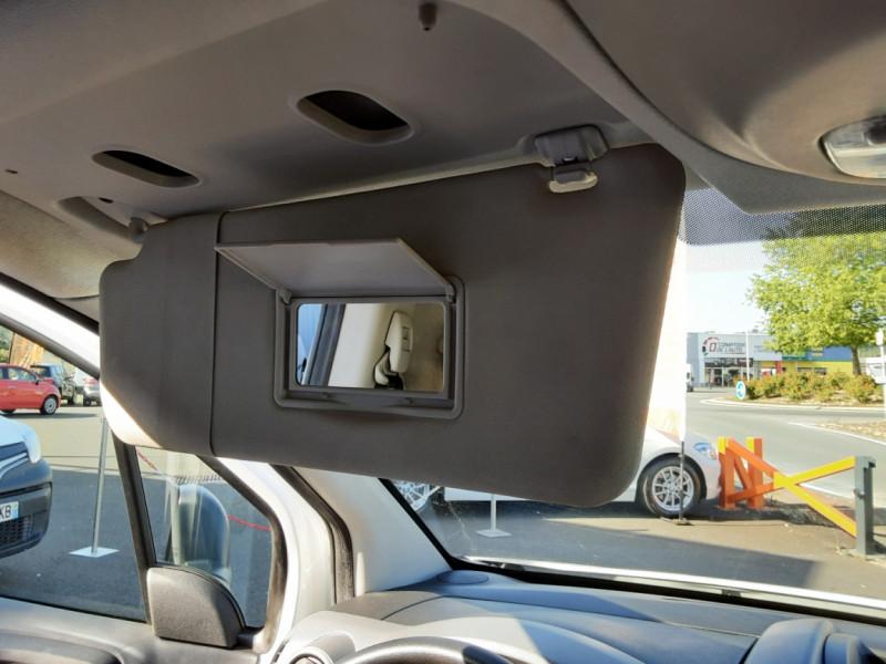 Photo 50 de l'offre de CITROEN BERLINGO M BLUEHDI 100 SetS BUSINESS à 10500€ chez Centrale Auto Marché Mussidan