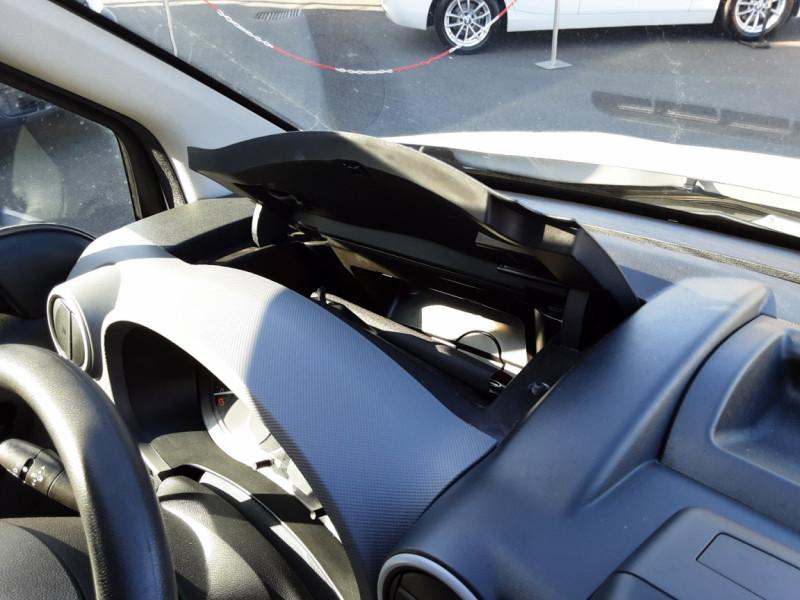 Photo 21 de l'offre de CITROEN BERLINGO M BLUEHDI 100 SetS BUSINESS à 10500€ chez Centrale Auto Marché Mussidan