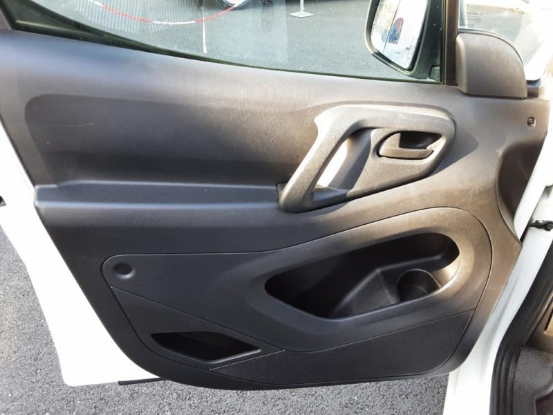 Photo 22 de l'offre de CITROEN BERLINGO M BLUEHDI 100 SetS BUSINESS à 10500€ chez Centrale Auto Marché Mussidan
