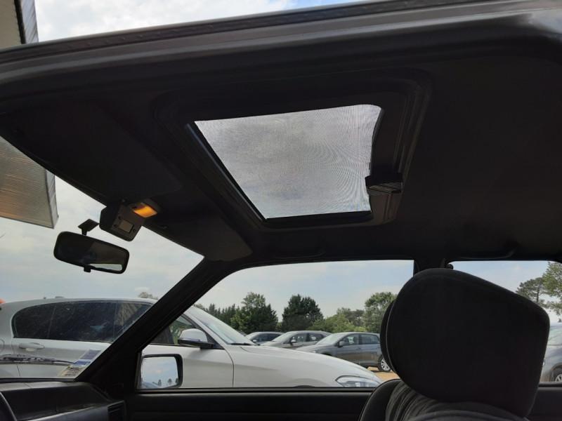Photo 36 de l'offre de FORD ESCORT RS 1.6 i à 9900€ chez Centrale Auto Marché Mussidan