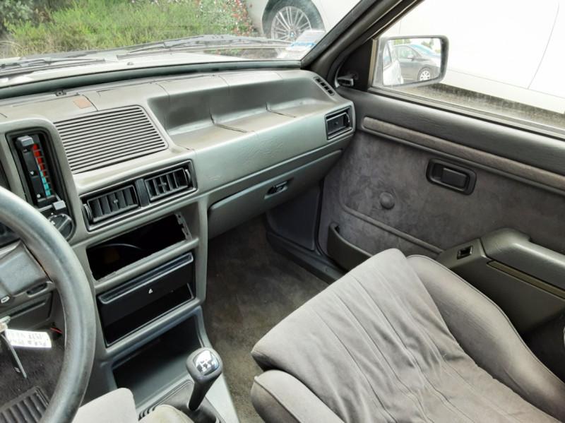 Photo 48 de l'offre de FORD ESCORT RS 1.6 i à 9900€ chez Centrale Auto Marché Mussidan