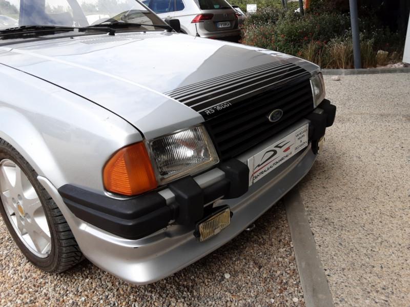Photo 49 de l'offre de FORD ESCORT RS 1.6 i à 9900€ chez Centrale Auto Marché Mussidan