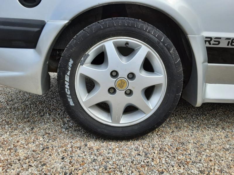 Photo 46 de l'offre de FORD ESCORT RS 1.6 i à 9900€ chez Centrale Auto Marché Mussidan